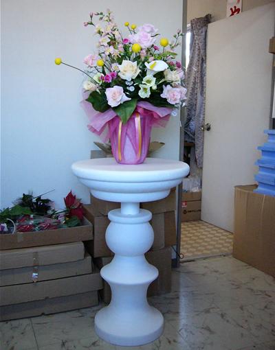 造花を展示するための発泡スチロール製の土台