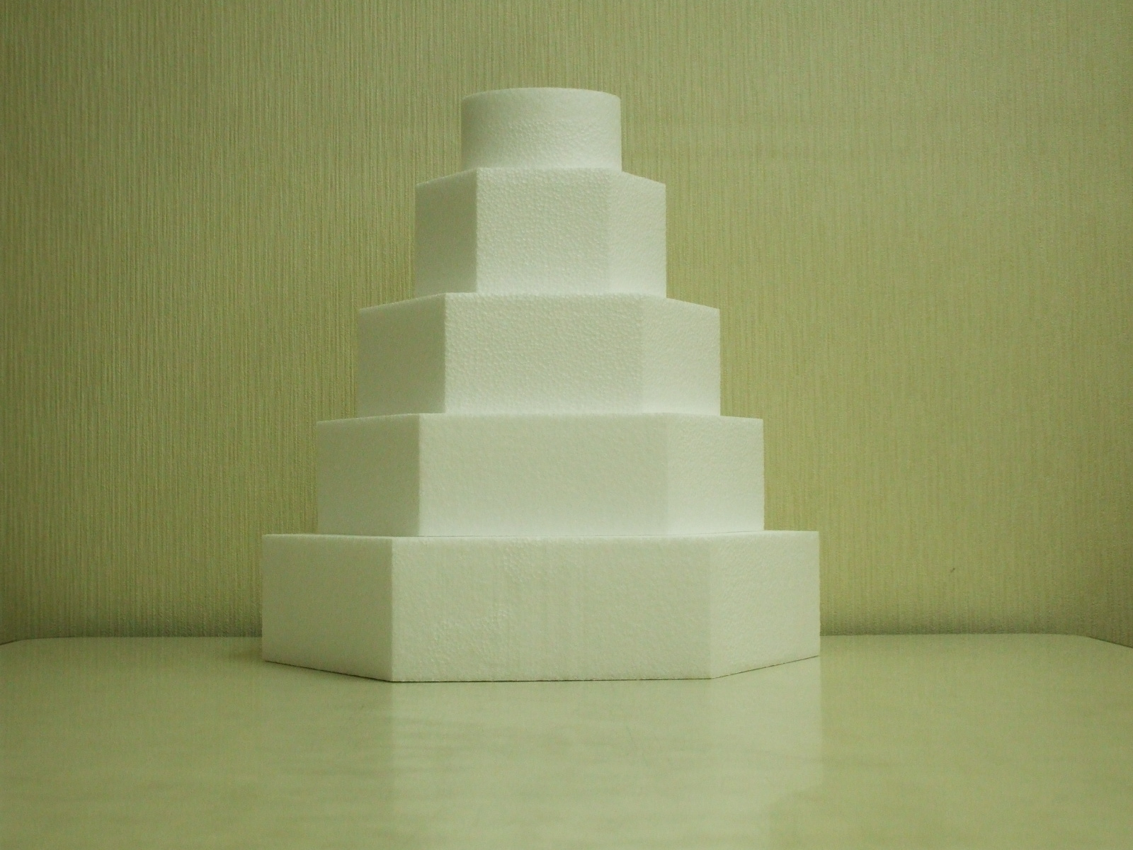 シュガークラフト(ケーキの見本)の芯材として使用している発泡スチロール